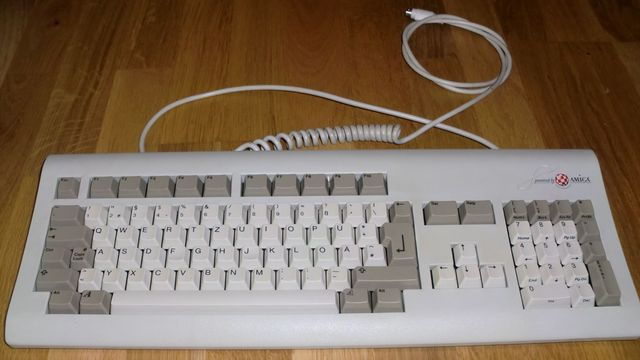 Amiga keyboard from Micronik (photo by Old School Game Blog)