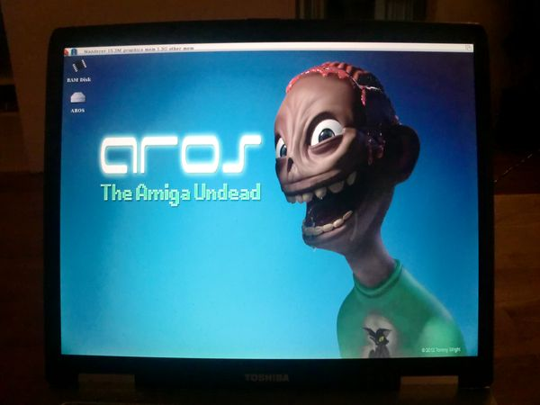 AROS running on my Toshiba laptop (photo by Old School Game Blog)
