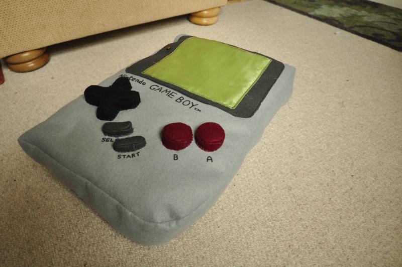 Website: Felt Sew Good - Retro Themed Cushions! (3/3)