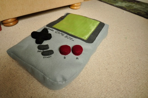 Gameboy! (photo taken from http://www.feltsewgood.com/shop/nintendo-gameboy-cushion/)